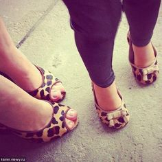 OMG...mother and daughter matching leopard print shoes! LOVE <3