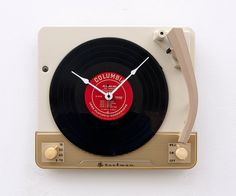 Recycled record player clock by pixelthis on Etsy