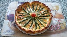 Torta salata con asparagi.