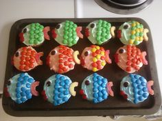Fishy cupcakes. Perfect for a kid's party or the fisherman in your life.
