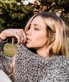 Picture of Charly Jordan Charly Jordan, Famous Girls, Girl Photography Poses, Pretty Face, Pretty People, Role Models, Blonde Hair, Jordans, Beautiful