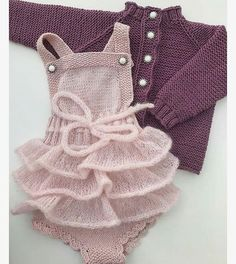 Best Ideas For Baby Girl Crochet Blanket Pattern Outfit Baby Girl Crochet Blanket, Crochet Baby, Knitting For Kids, Baby Knitting Patterns, Baby Outfits, Clothing Patterns, Dress Patterns, Knitted Baby Clothes, Outdoor Outfit