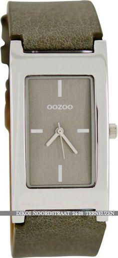 OOZOO HORLOGE € 29,95 1 jaar garantie.