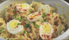 Heerlijk als bijgerecht tijdens het barbecueën: aardappel-eiersalade