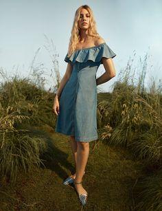#TommyHilfiger  #fashion  #Koshchenets     Tommy Hilfiger Resort 2017 Collection Photos - Vogue