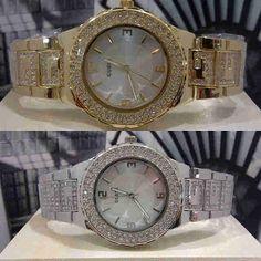 Jam Tangan Guess Diamond Ring Chain  Harga : Rp 220.000,-  Spesifikasi : Tipe : jam tangan wanita Kualitas : kw super Diameter : 3,5cm Tali : rantai permata  Pemesanan : SMS : 081802959999 Pin BB : 270C3124  Format Pemesanan : nama, no.hp, alamat, barang yang dipesan