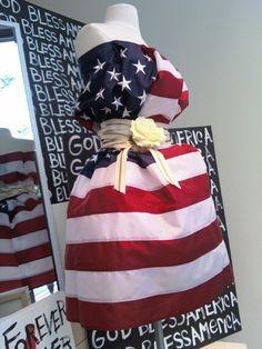 Need last-minute 4th of July display ideas? #retail #display #merchandising