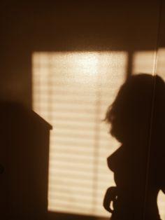 The Inexhaustible Variety of Life — femmeflorales: shadow grl Beige Aesthetic, Aesthetic Photo, Aesthetic Girl, Aesthetic Pictures, Aesthetic Fashion, Shadow Photography, Body Photography, Portrait Photography, Shadow Pictures