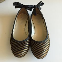 FS/NY zebra stripe calf-hair flats with bows Adorable round-toe ballet flat from FS/NY. Calf hair upper; grosgrain ribbon at collar and bow. Leather insole and man-made rubber sole. Never worn. (Sole indicates EUR 37, US 6.5; is it definitely a Sz 6.5.) FS/NY Shoes Flats & Loafers