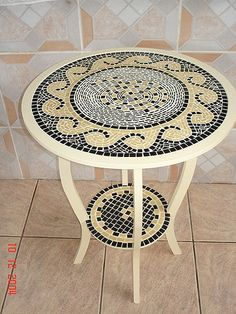 Mesa table with wave design Mosaic Tile Art, Mosaic Pots, Mosaic Artwork, Mosaic Diy, Mosaic Crafts, Mosaic Projects, Mosaic Glass, Mosaics, Mosaic Furniture