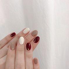Nail Art 💅 - Nail art, nail art designs, nail ideas, nail shapes and nails acrylic Korean Nails, Korean Nail Art, Diy Nails, Nail Art Diy, Cute Nails, Stylish Nails, Trendy Nails, Twisted Hair, Minimalist Nails
