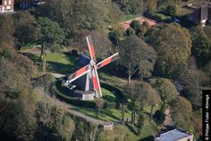 Le moulin de Cassel. Cassel, Kassel en néerlandais et en flamand occidental, est une commune située dans le département du Nord.The mill Cassel. Cassel, Kassel in Dutch and West Flemish, is a commune in the Nord department.