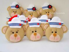 Um blog desenvolvido para divulgar meus trabalhos artesanais em feltro. Fique a vontade para visitar o blog.  Aline  Feltro Encantado Kit Bebe, Teddy Bear, Christmas Ornaments, Toys, Holiday Decor, Home Decor, Paper Craft Work, Bears, Toddler Girls