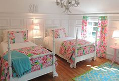 We love this Lilly Pulitzer themed nursery, featuring our Sister Florals Duvet Covers & Shams, Shower Curtain and Well Connected Rug.