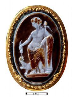 """camée, """"Bacchus"""" (camée.78), BnF. Sardonyx, époque romaine"""