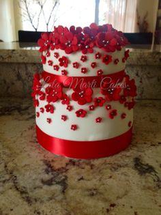 Flower cake Fondant Flower Cake, Cupcake Cakes, Flower Cakes, Cupcakes, Chinese Cake, Chinese Party, Beautiful Cakes, Amazing Cakes, Cake Decorating Courses