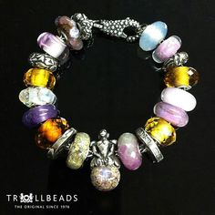 :-) Look at this wonderful bracelet from Trollbeads.