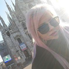 #Milan #pink #hair #model #girl #italy Pink Hair, Four Square, Milan, Sunglasses Women, Italy, Model, Fashion, Rose Hair, Italia