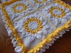 Flor de 12 pétalos en cuadro tejido con estambre paso a paso para tejerlo en cualquier color y tamaño, para esta muestra utilizé 600 grs.