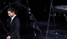 US designer Marc Jacobs acknowleges the public at the end of the Louis Vuitton 2014 Spring/Summer ready-to-wear collection fashion show, on October 2, 2013 in Paris. Jacobs is to leave Louis Vuitton to concentrate on his own brand and a future stock exchange flotation, a report said today. AFP PHOTO / JOEL SAGET
