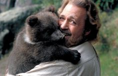 'The Life and Times of Grizzly Adams' star Dan Haggerty dies at 74 - Allerecipe Before And After Puberty, Grizzly Adams, Mountain Man Rendezvous, Animal Tv, I Dream Of Jeannie, Bear Cubs, Bears, Planet Of The Apes, Old Shows
