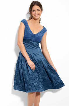 Another possibility for the #Mother_of_the_Bride dress. Not sure if the color is right, but I love the dress.