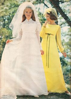 And what I mean by THE dress is, of course, is THE perfect wedding dress for THE perfect wedding day that gals dream about since they are. Vestidos Vintage, Vintage Gowns, Vintage Outfits, Vintage Fashion, 1970s Wedding Dress, Perfect Wedding Dress, Vintage Wedding Photos, Vintage Bridal, Vintage Weddings