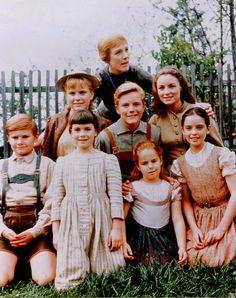 """Julie Andrews - With """"The Sound Of Music"""" Von Trapp Kids"""