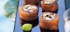 Philadelphia Rollitos de salmón y palitos de cangrejo con algas nori
