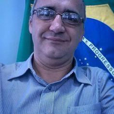 #selfie #julio #juliocesar #patria #brasil #trabalho #amor #love #man #flag #ti #gti #redes #network #linux #ucp #faculdade #pitanga #airplane #aviao #cessna #fly #travel #glasses #instagram #instapic #instaphoto by stinformatica