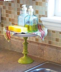 Les présentoirs à gâteaux ne sont pas uniquement destinés aux gâteaux! Vous pouvez aussi les utiliser dans la salle de bain.