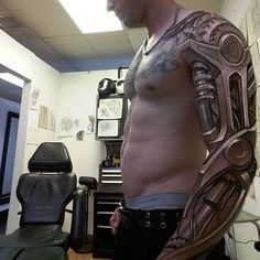 I am not into bio-mechanical tattoos. but this is incredible. A reputation known around the world We are committed to make this tattoo process a positive experience all around. Tattoos 3d, Badass Tattoos, Great Tattoos, Unique Tattoos, Body Art Tattoos, Tattoos For Guys, Best 3d Tattoos, Cyborg Tattoo, Biomech Tattoo