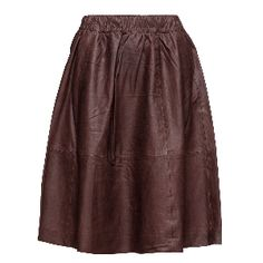 Sfsalta MW leather skirt. The perfect skirt to carry you out of the winter and firmly into spring, this leather design from Selected has an A-line shape and an elasticated waistband for optimum fit. Fierce!