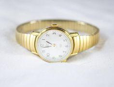 Vintage TIMEX Indiglo Retro Minimalist Gold Ladies Wrist Watch
