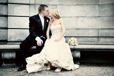 Real NYC Wedding: Julia & Gregory - The Bride's Cafe; Di Bezi Photography #acitywedding #city #wedding