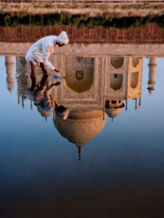 Taj-Mahal Reflection Agra, India by Steve McCurry Taj Mahal India, Le Taj Mahal, Rajasthan India, Hindu India, Delhi India, Aldea Global, Grand Trunk Road, World Press Photo, Foto Real