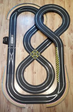 Scalextric track set - double figure-of-eight layout digital arc pro # Slot Car Racing, Slot Car Tracks, Slot Cars, Pinup Art, Scalextric Track, Bridge Support, Lights And Sirens, Car Buying Tips, Cars 1