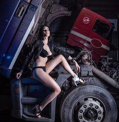 Nackt trucker babs Nude Truck