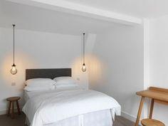 Bedroom Minimalist Design Hanging Lights 38 Ideas For 2019 Pendant Lighting Bedroom, Bedside Lighting, Living Room Lighting, Pendant Lights, Bedding Inspiration, Hanging Lights, Hanging Lamps, Wall Lights, Trendy Bedroom
