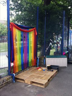 Outdoor stage area for an EYFS with limited space! Outdoor stage area for an EYFS with limited space Eyfs Outdoor Area, Outdoor Stage, Outdoor Play Areas, Outdoor School, Outdoor Classroom, Outdoor Fun, Outdoor Mirror, Eyfs Classroom, Preschool Garden
