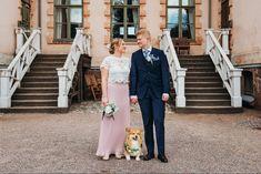 Wedding potrait with couple's cute corgi 😍🐶