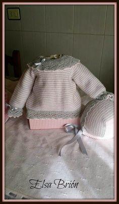En lana, perlé y angora para bebé: Tutorial chaquetita rayada gris y blanca, meses Knitting For Kids, Baby Knitting, Crochet Baby, Baby Socks, Baby Boutique, Baby Sweaters, Baby Wearing, Leg Warmers, Knit Cardigan