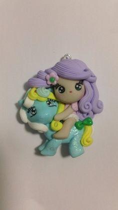 Ciondolo bambolina su pony, by GattaNera, 3,50  su misshobby.com