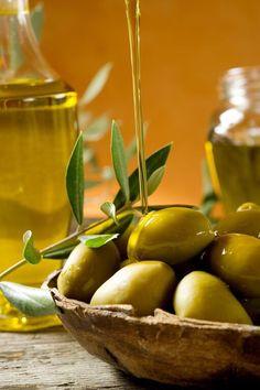 . Dinner Recipes For Kids, Kids Meals, Olive Oil Brands, Olive Oils, Sante Bio, Olive Gardens, Agriculture Biologique, Tapenade, Olive Tree