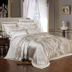 Vetora Luxury Silk Jacquard Cotton Duvet Cover Set – Venetto Design Satin Bedding, Cotton Bedding Sets, Queen Bedding Sets, Luxury Bedding Sets, Comforter Sets, Comforter Cover, Cotton Duvet, Bed Sets, Bed Linen Sets