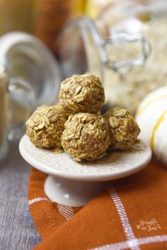 These Pumpkin Pie Spice Energy Bites are the perfect midday snack! Check out the simple, step by step recipe to please the whole family! Pie Spice Recipe, Coffee Creamer Recipe, Spiced Coffee, Energy Bites, Pumpkin Pie Spice, Fall Recipes, Healthy Recipes, Food For Thought, Food To Make