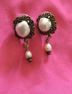 Vintage Drop Jan Michaels Minimalist Brass Pearl Earrings Handmade in US #JanMichaels #DropDangle