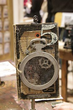 Cha Winter 2013 – Tim Holtz at Sizzix – Dies & Movers & Shapers