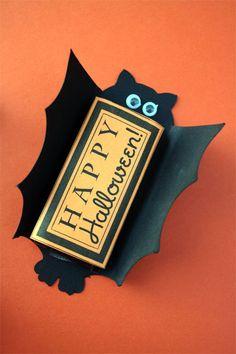 Mini Bat Candy Bar Wrap from 18 Crafty Halloween Bat Templates via Tip Junkie