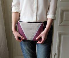 Image of Grande pochette en lin prune/argentée.